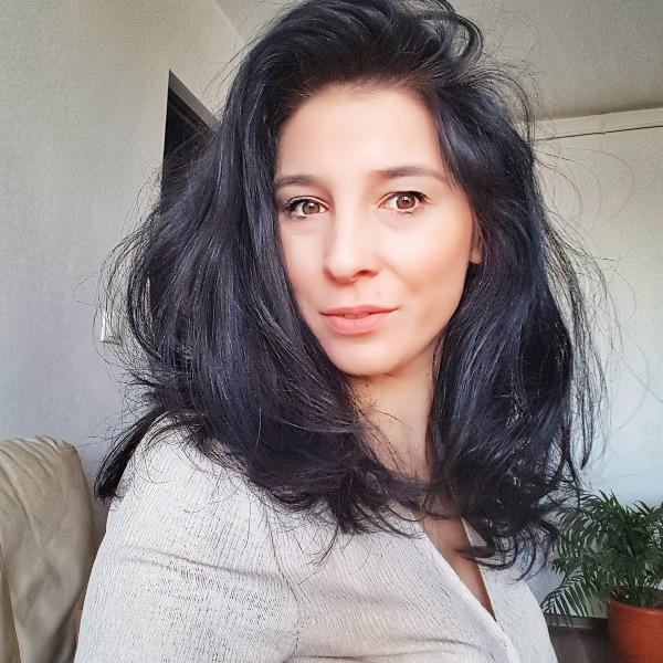 Adriana VegLifestyle