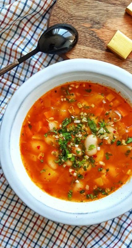 Supa de fasole cu turmeric