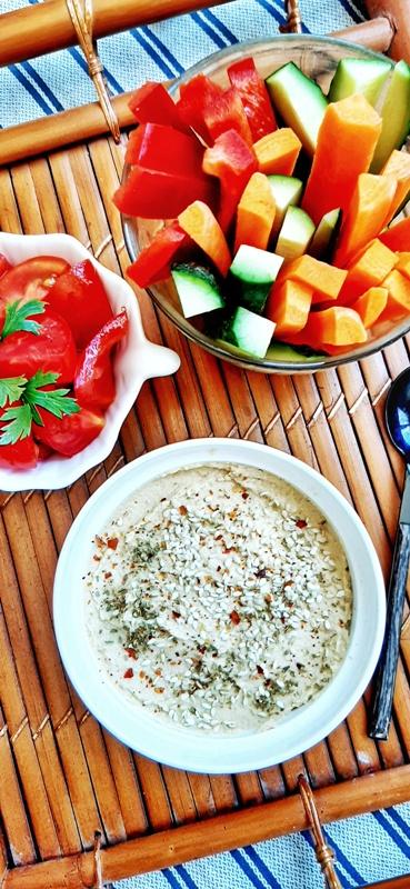 Hummus cu bete de legume
