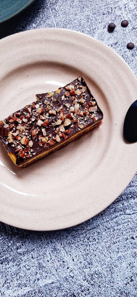 Batoane cu budinca si ciocolata neagra